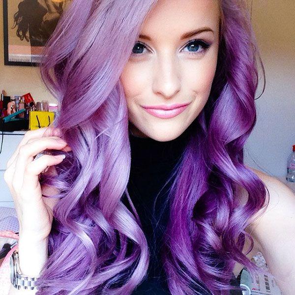 Femme cheveux violet